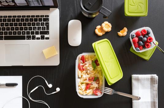 Déjeuner sur le pouce : idées de recettes faciles à manger devant l'ordinateur